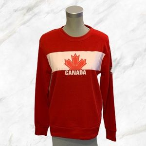 🇨🇦 Weathergear | Red Canada Maple Leaf Sweater